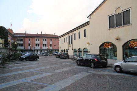 """Complesso commerciale/direzionale e abitativo """"Riva del Grappa"""" a Cittadella (PD)"""